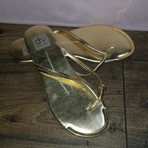 Dolce Vita Size 7 Gold Thong Sandals